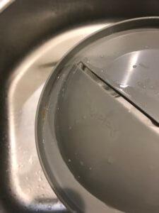 排水口カバー 裏面の汚れ