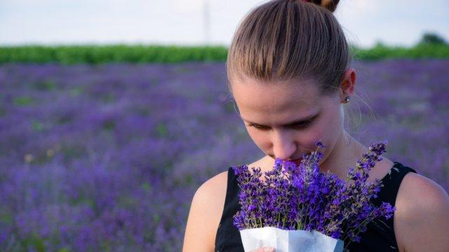 「匂い」と「臭い」の違いとは?意味や使い分けをわかりやすく解説!